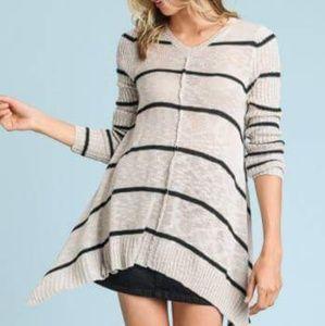 Shark Bite Hem Striped sweater in Gray